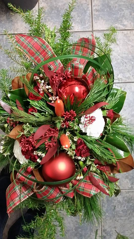 Evoking the season with BlueShores Flowers & Gifts in Wasaga Beach, ON