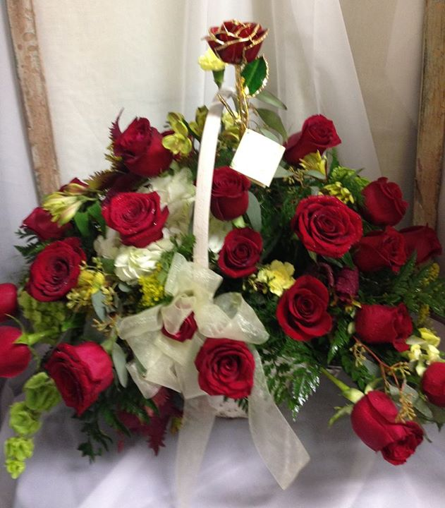 Rose arrangement with a forever rose keepsake by Michele's Floral and Gifts in Copperas Cove, TX
