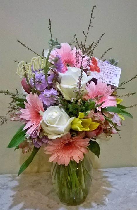 Sweet Thinking of You flowers from Wilmas Flowers in Jasper, AL