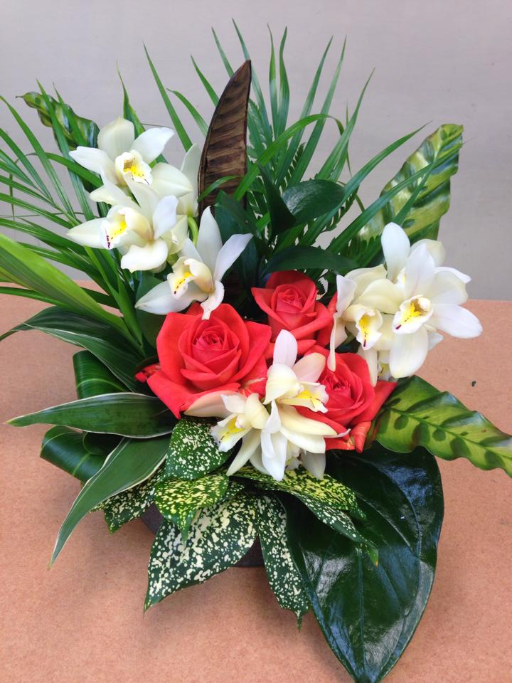 Tropical rose display from Oak Bay Flower Shop Ltd. in Victoria, BC