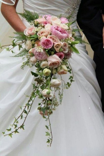 3 Popular Cascading Bouquets