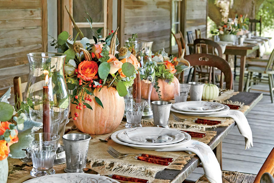 7 jaw dropping thanksgiving tablescapes